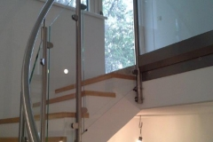 Edelstahl geländer gebogen mit Glasfüllung