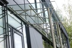 Freitragendes Vordach aus Edelstahl mit Glaseindeckung - Apotheke Pischelsdorf