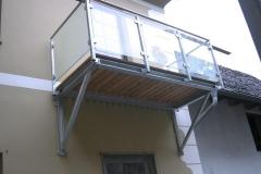 Balkonzubau Stahl verz mit Glasgeländer